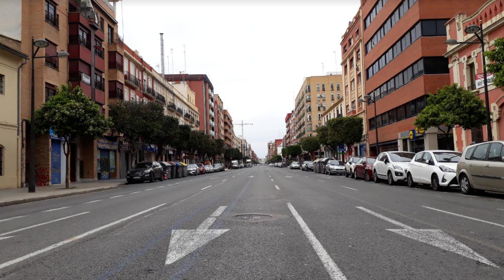 Avenida de Puerto, Valencia with no traffic