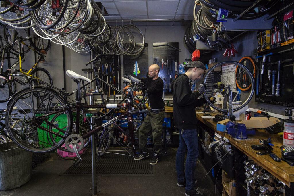 Perlie Rides cycle workshop. Photo courtesy of Adam Rider